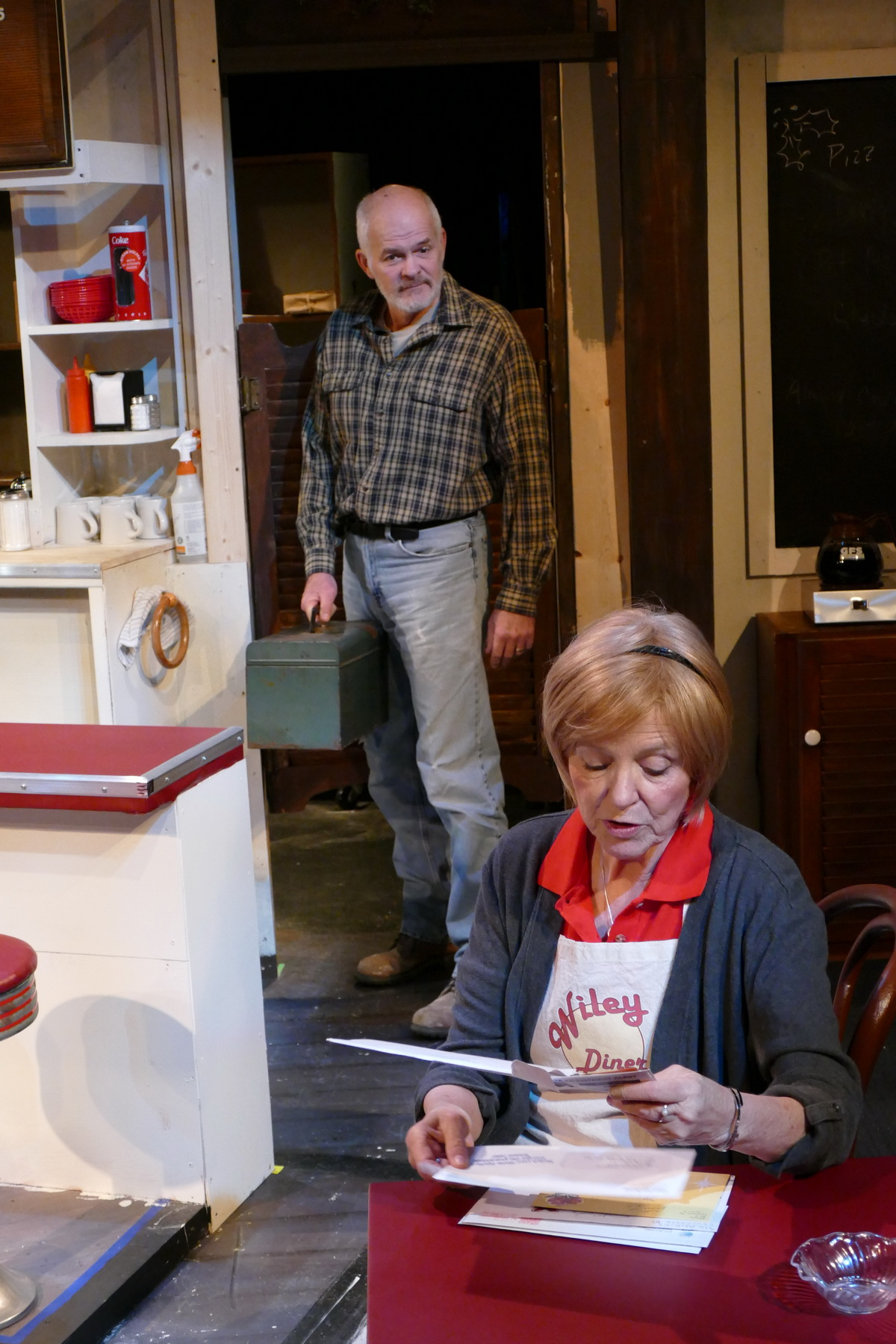 Darrell Starnik as Carter and Anne McEvoy as Sheila Banks