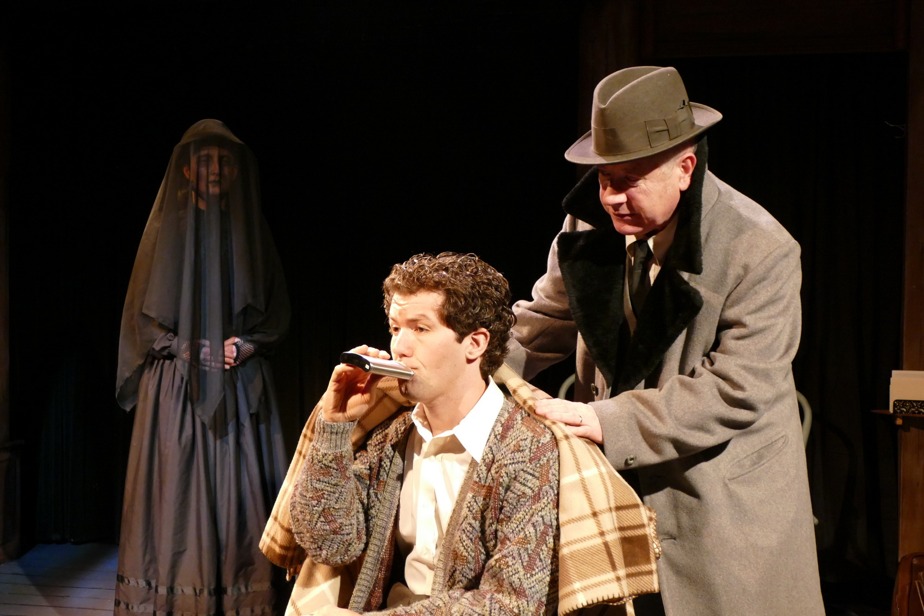 Claudia Lillibridge as The Woman, Jeremy Jenkins as The Actor and Bob Goddard as Kipps